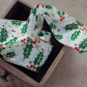 Edged-Cristmas-Ribbon