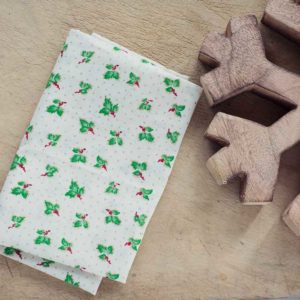 ivory-Christmas-Holly-Fabric